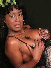 Black mature TS with ripe body and big experience